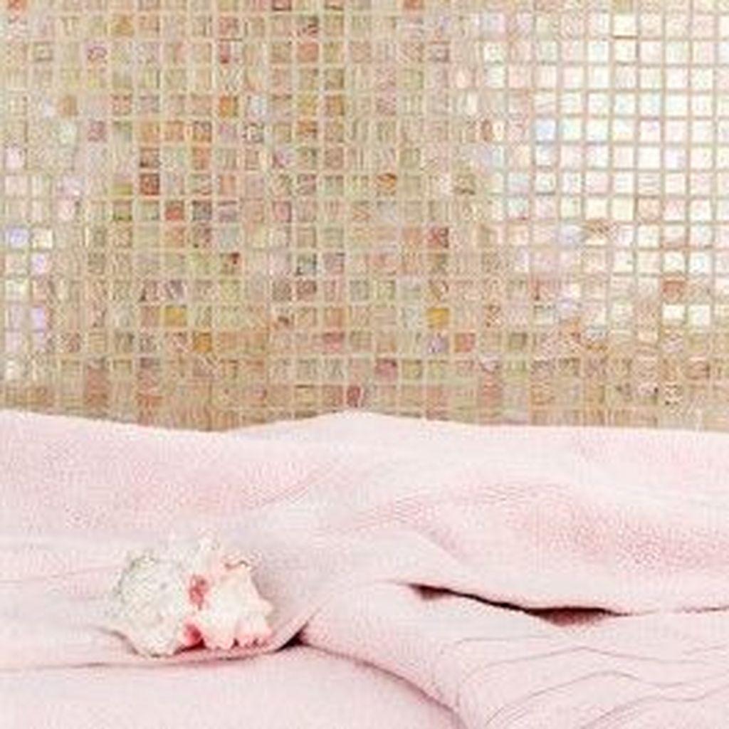 Superb Glitter Kitchen Tiles Design Ideas To Try Nowaday 06