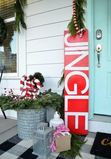 Unique Christmas Decoration Ideas For Front Porch 23