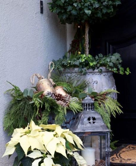 Unique Christmas Decoration Ideas For Front Porch 26