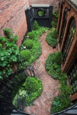 Best Jaw Dropping Urban Gardens Ideas To Copy Asap 19