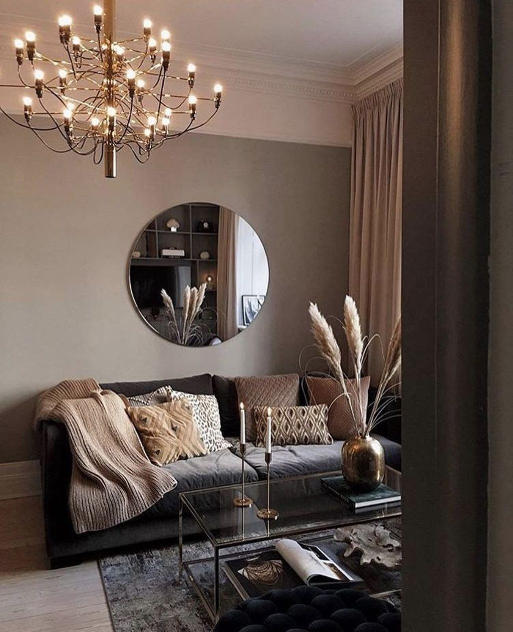 Cool Living Room Design Ideas To Make Look Confortable For Guest 06