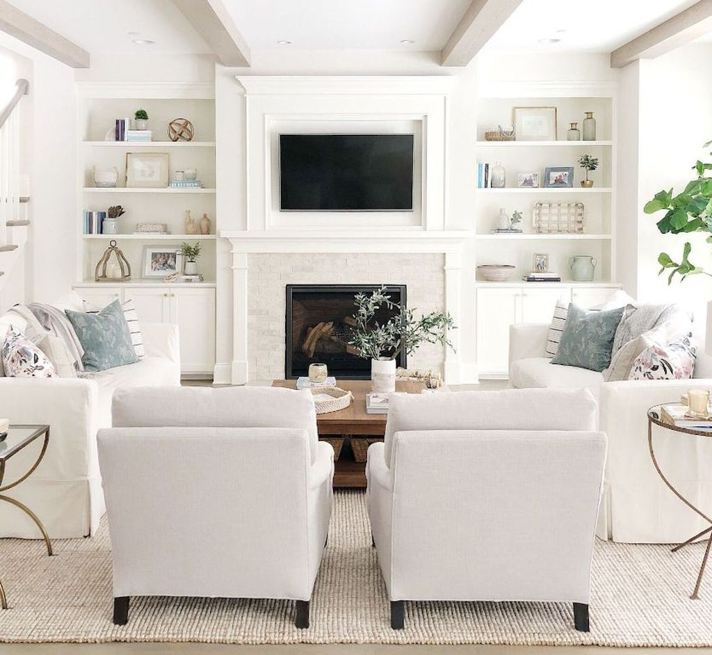 Cool Living Room Design Ideas To Make Look Confortable For Guest 15