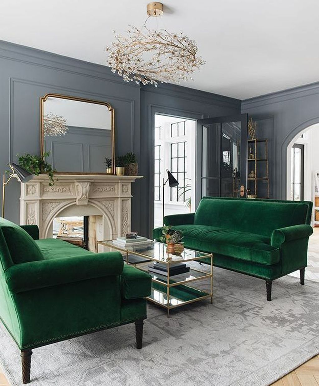Cool Living Room Design Ideas To Make Look Confortable For Guest 20