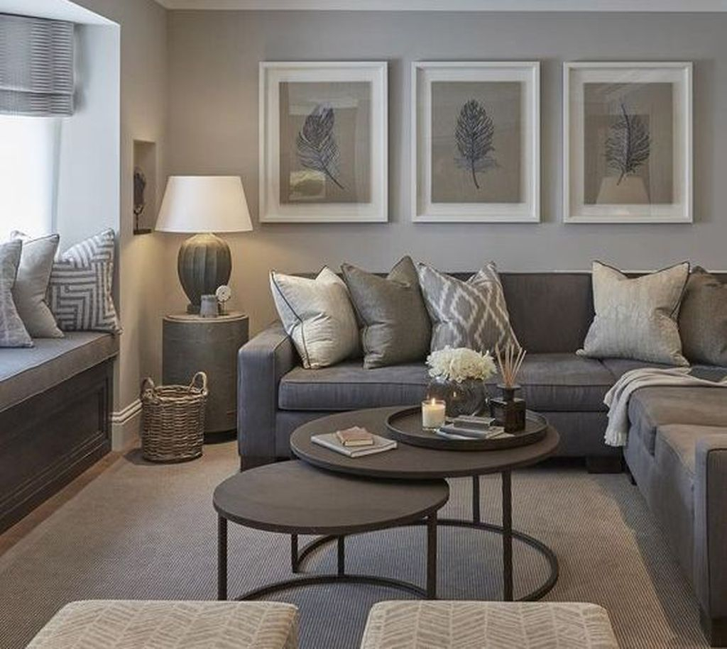 Cool Living Room Design Ideas To Make Look Confortable For Guest 36
