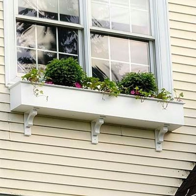 Fabulous Exterior Decoration Ideas With Flower In Window 15