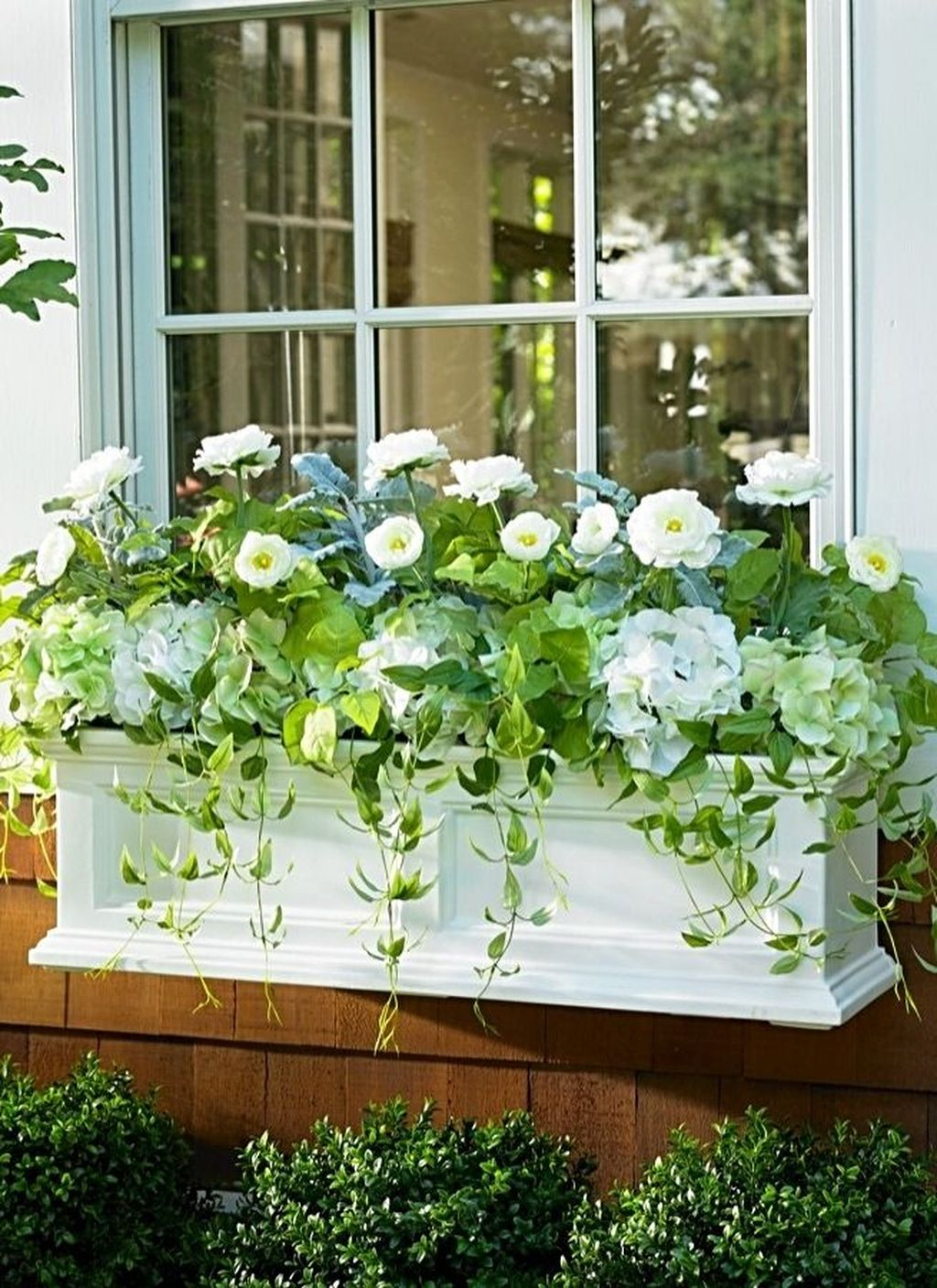 Fabulous Exterior Decoration Ideas With Flower In Window 17
