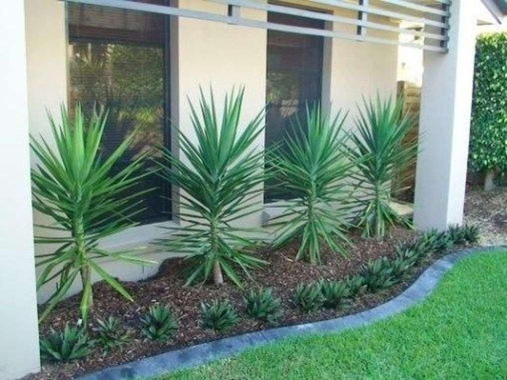 Inspiring Minimalist Frontyard Design Ideas To Try Asap 05