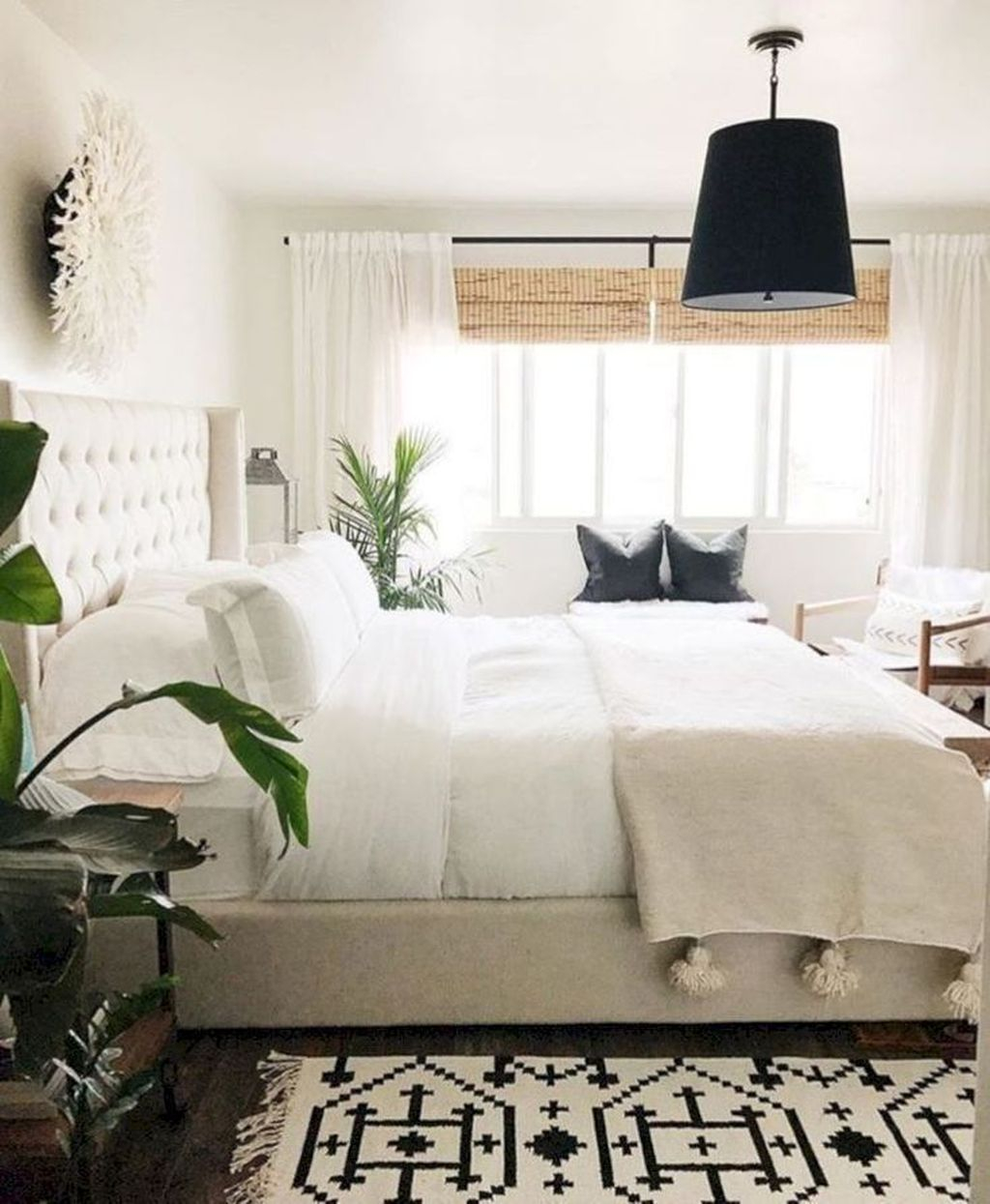 Lovely Bedroom Design Ideas That Make You More Relaxed 26