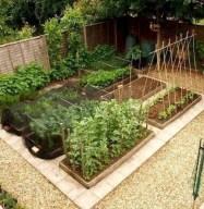 Lovely Vegetable Garden Decoration Ideas For You 28