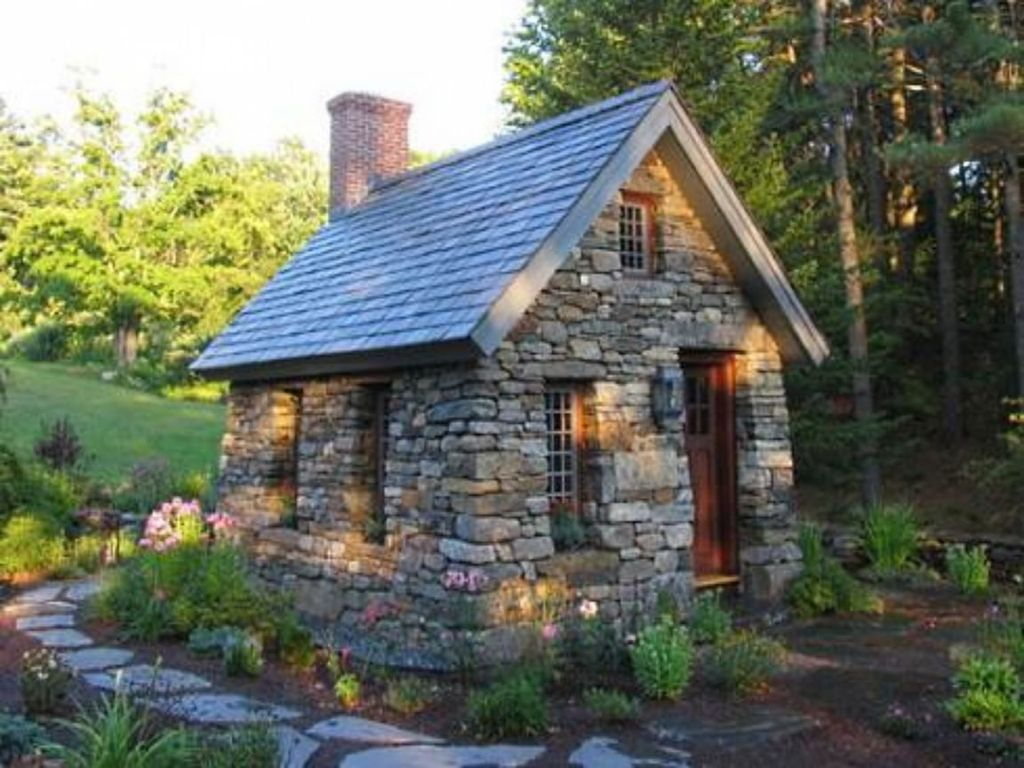 Perfect Small Cottages Design Ideas For Tiny House That Trend This Year 02
