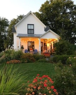 Perfect Small Cottages Design Ideas For Tiny House That Trend This Year 12