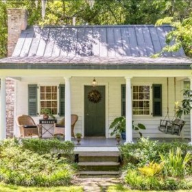 Perfect Small Cottages Design Ideas For Tiny House That Trend This Year 13