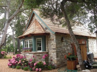 Perfect Small Cottages Design Ideas For Tiny House That Trend This Year 30
