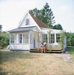 Perfect Small Cottages Design Ideas For Tiny House That Trend This Year 36