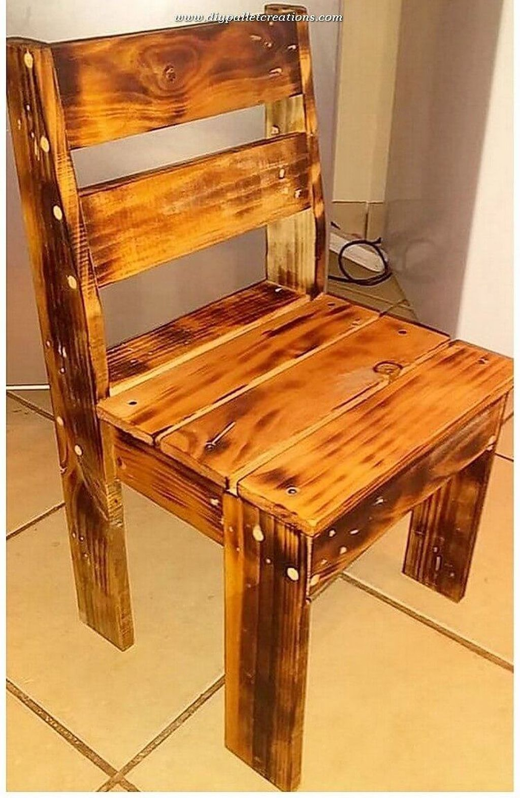 Popular Diy Chair Pallet Design Ideas That You Can Try 28