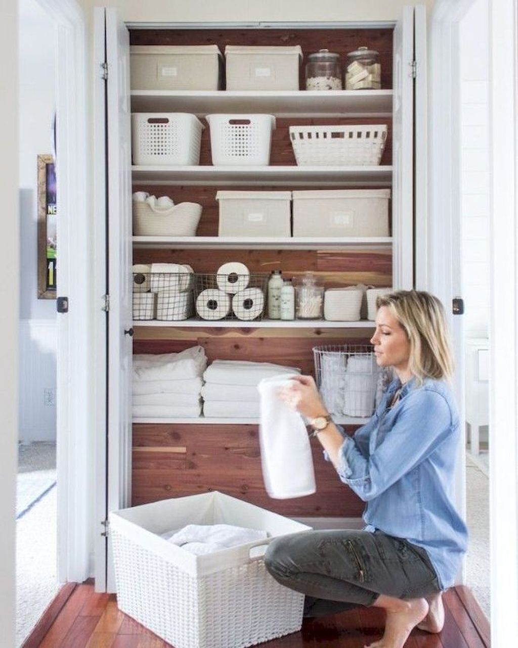 Smart Linen Closet Organization Makeover Ideas To Try This Year 25