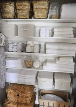 Smart Linen Closet Organization Makeover Ideas To Try This Year 33