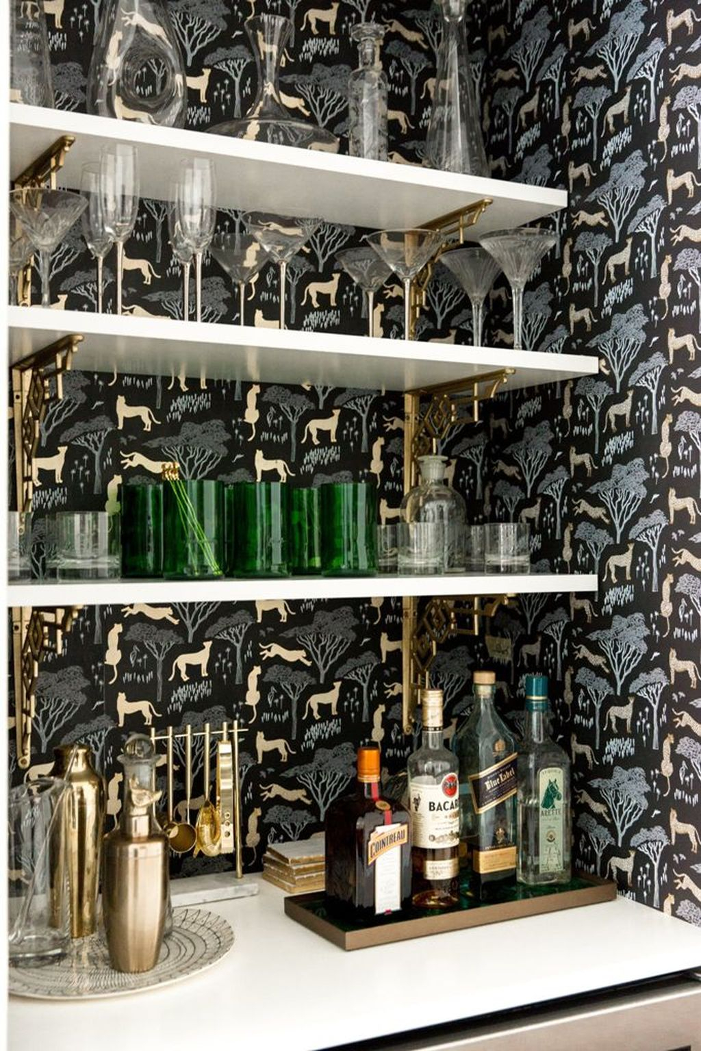 Trendy Pallet Mini Bar Design Ideas To Try 20