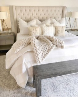 Vintage Farmhouse Bedroom Decor Ideas On A Budget To Try 15