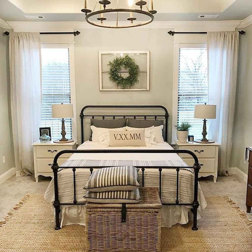 Vintage Farmhouse Bedroom Decor Ideas On A Budget To Try 18