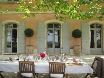 Captivating French Country Patio Ideas That Make Your Flat Look Great 03