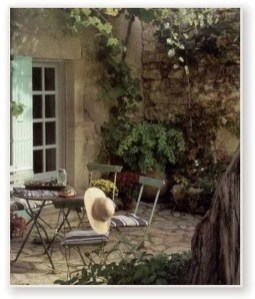 Captivating French Country Patio Ideas That Make Your Flat Look Great 13