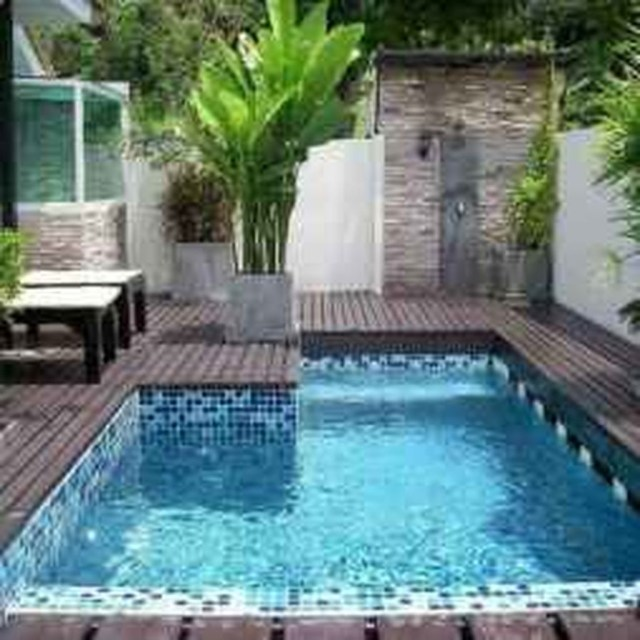 Excellent Small Swimming Pools Ideas For Small Backyards 07