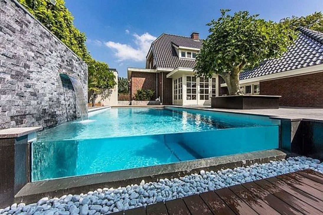 Excellent Small Swimming Pools Ideas For Small Backyards 34