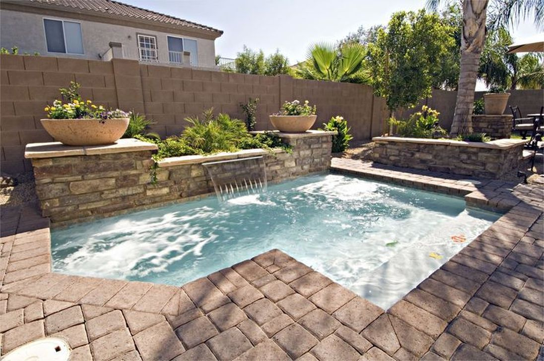 Excellent Small Swimming Pools Ideas For Small Backyards 39