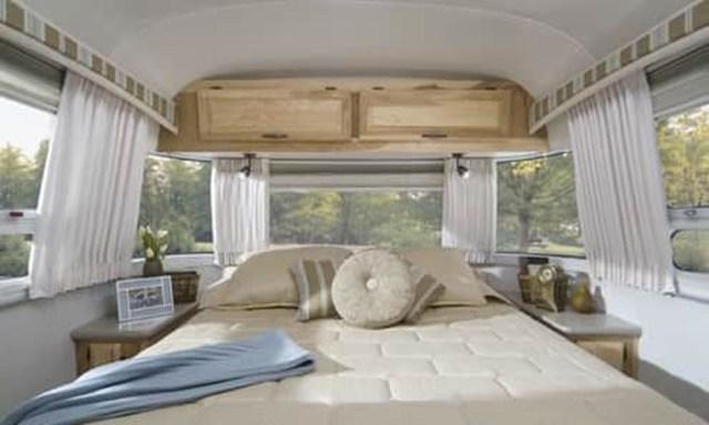 Impressive Airstream Interior Design Ideas To Try 06