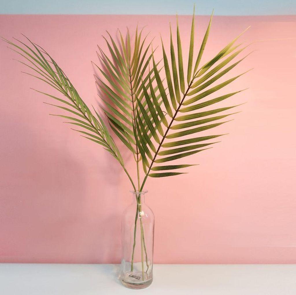 Splendid Tropical Leaf Decor Ideas For Home Design 14