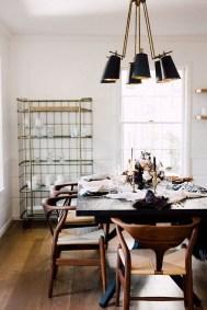 Adorable Fall Farmhouse Dining Room Decor Ideas 11