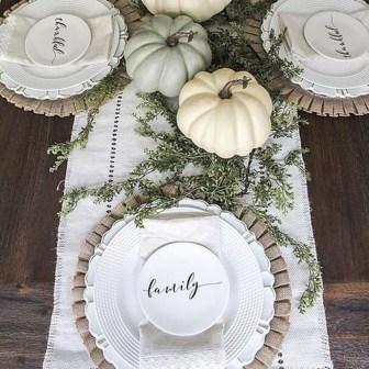 Adorable Fall Farmhouse Dining Room Decor Ideas 16