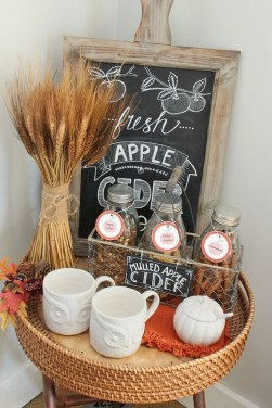 Attractive Fall Decor Ideas For Your Apartment To Try This Year 17