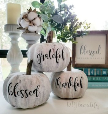 Attractive Fall Decor Ideas For Your Apartment To Try This Year 26