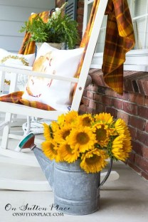 Attractive Fall Decor Ideas For Your Apartment To Try This Year 30