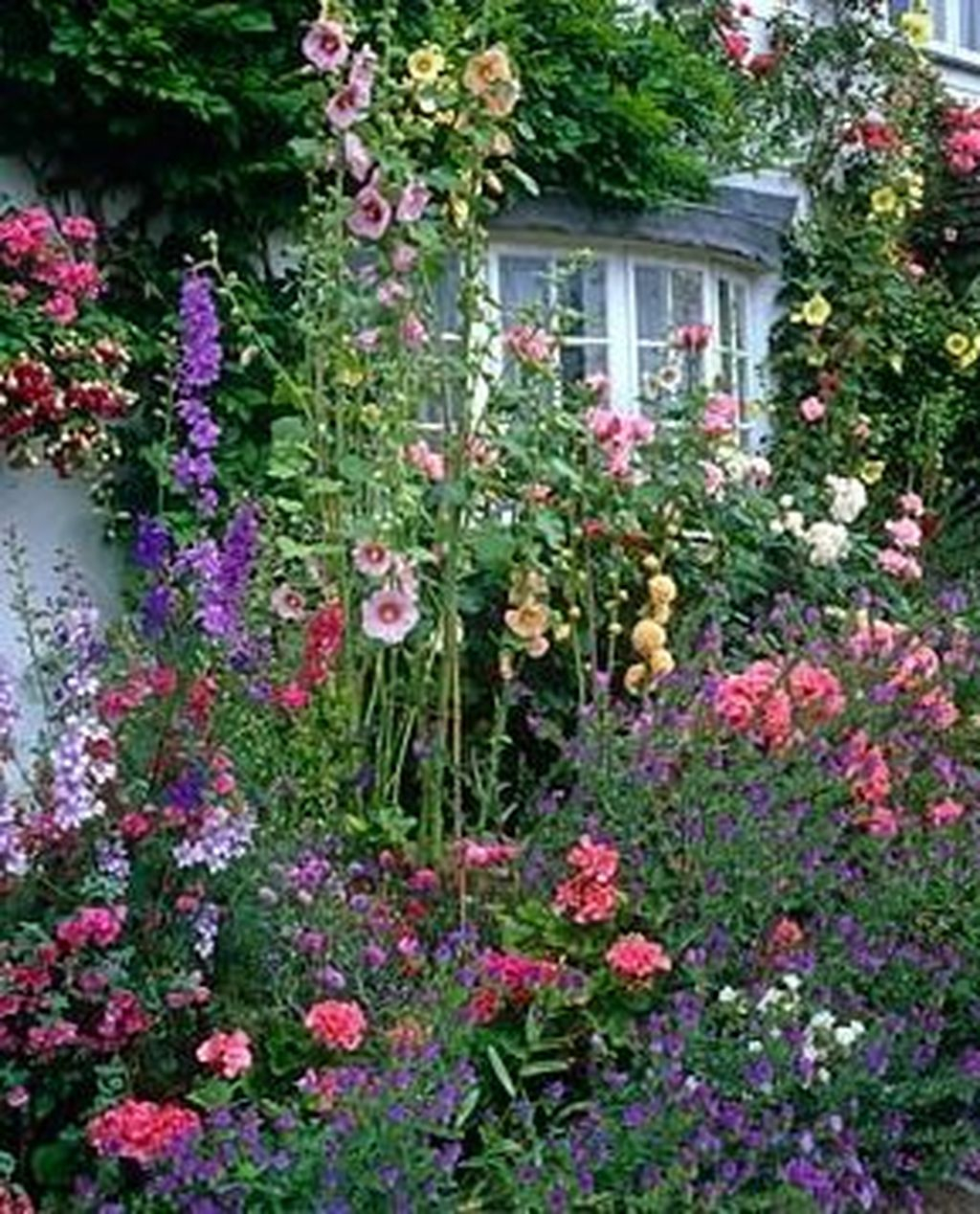 Beautiful Cottage Garden Ideas For Outdoor Space 30