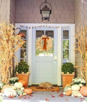 Beautiful Fall Porch Decor Ideas That Looks Modern 06