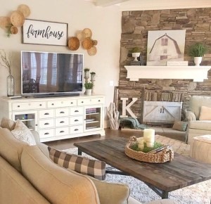 Casual Living Room Wall Decor Ideas That Looks Cool 04