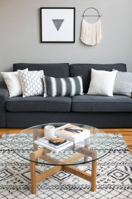 Casual Living Room Wall Decor Ideas That Looks Cool 11