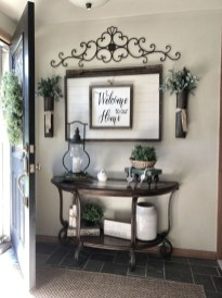 Casual Living Room Wall Decor Ideas That Looks Cool 27