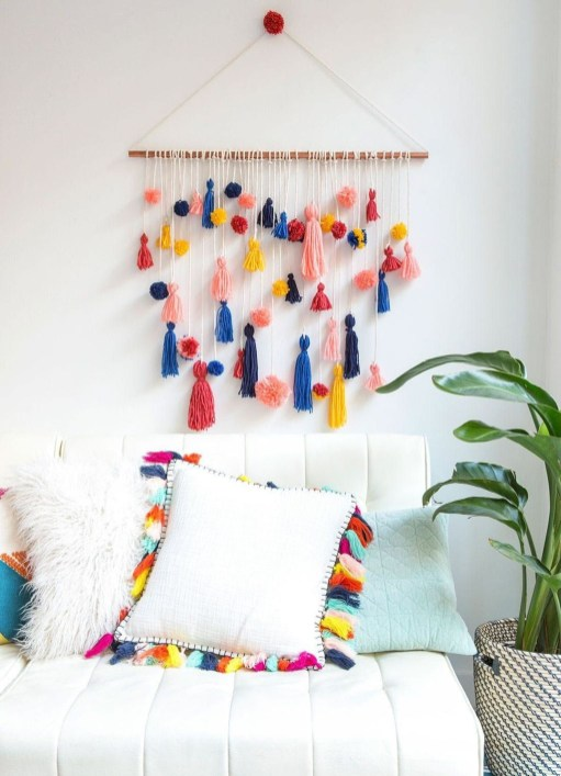 Casual Living Room Wall Decor Ideas That Looks Cool 36