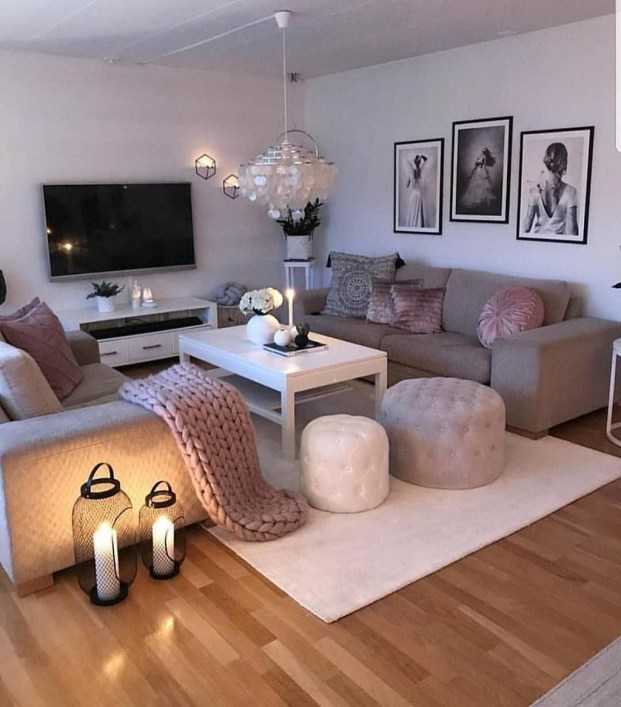 Casual Living Room Wall Decor Ideas That Looks Cool 37