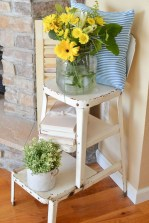 Elegant Summer Farmhouse Decor Ideas For Home 21