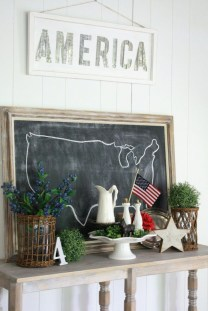 Elegant Summer Farmhouse Decor Ideas For Home 24
