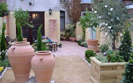 Extraordinary Mediterranean Patio Design Ideas To Try Now 23