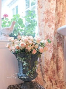 Luxury Floral French Style Ideas That Looks Cool 02
