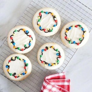 Adorable Diy Christmas Lights Cookies Ideas For Your Décor That Looks Cool11