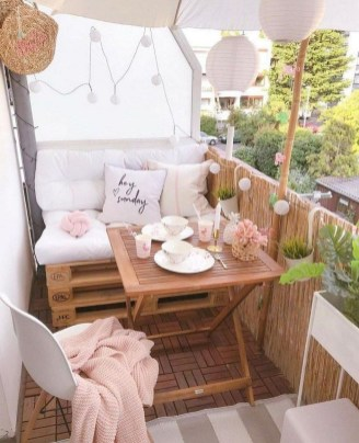 Impressive Fall Apartment Balcony Decorating Ideas To Try13