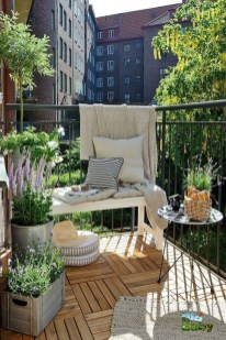 Impressive Fall Apartment Balcony Decorating Ideas To Try20
